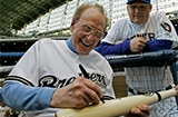 Milwaukee's Finest?Les Paul's Hometown Gives Him a Birthday to Remember